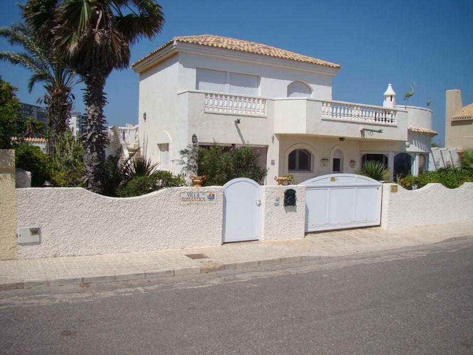 Außenaufnahme Parterre in Villa Romantica mit Meerblick