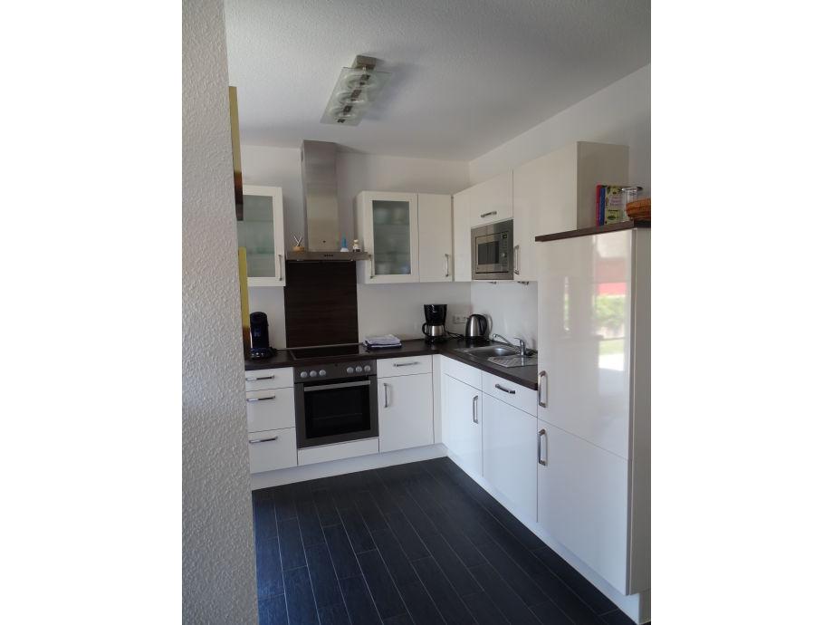 komplett kche amazing full size of elegantes interieur kuchen holz modern mit kochinsel modern. Black Bedroom Furniture Sets. Home Design Ideas