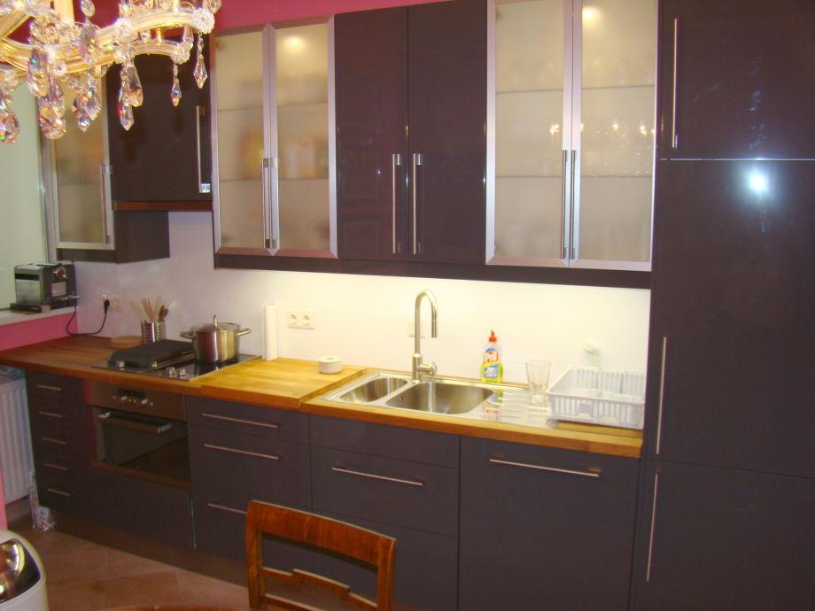 apartment hundertwasserhaus wien landstra e herr peter. Black Bedroom Furniture Sets. Home Design Ideas