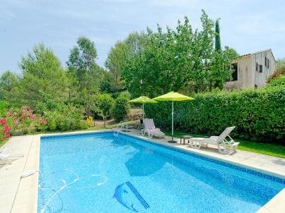 mit Pool und großem Garten in Le Beausset