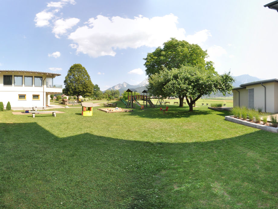 Der neue Kinderspielplatz - neben unserem Stammhaus