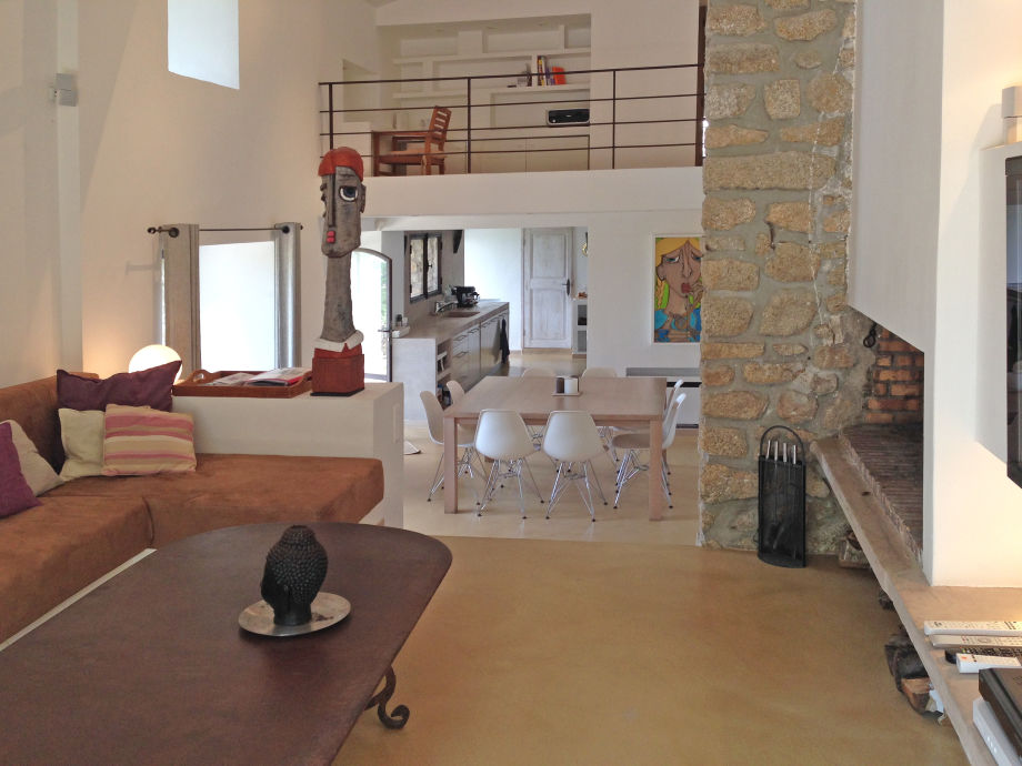 wohnzimmer esszimmer und kuche in einem ihr traumhaus ideen. Black Bedroom Furniture Sets. Home Design Ideas