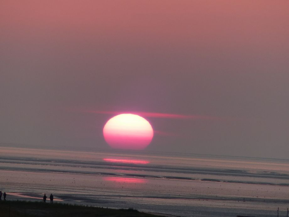 Blick vom Balkon:Ihr ganz persönlicher Sonnenuntergang!