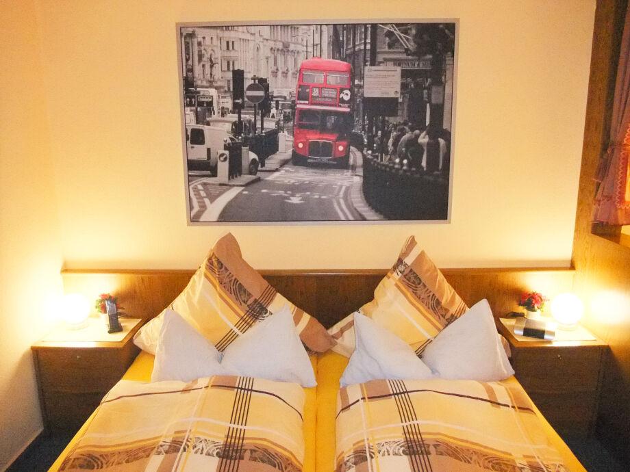 Komfort-Schlafbereich mit bequemen Doppelbett