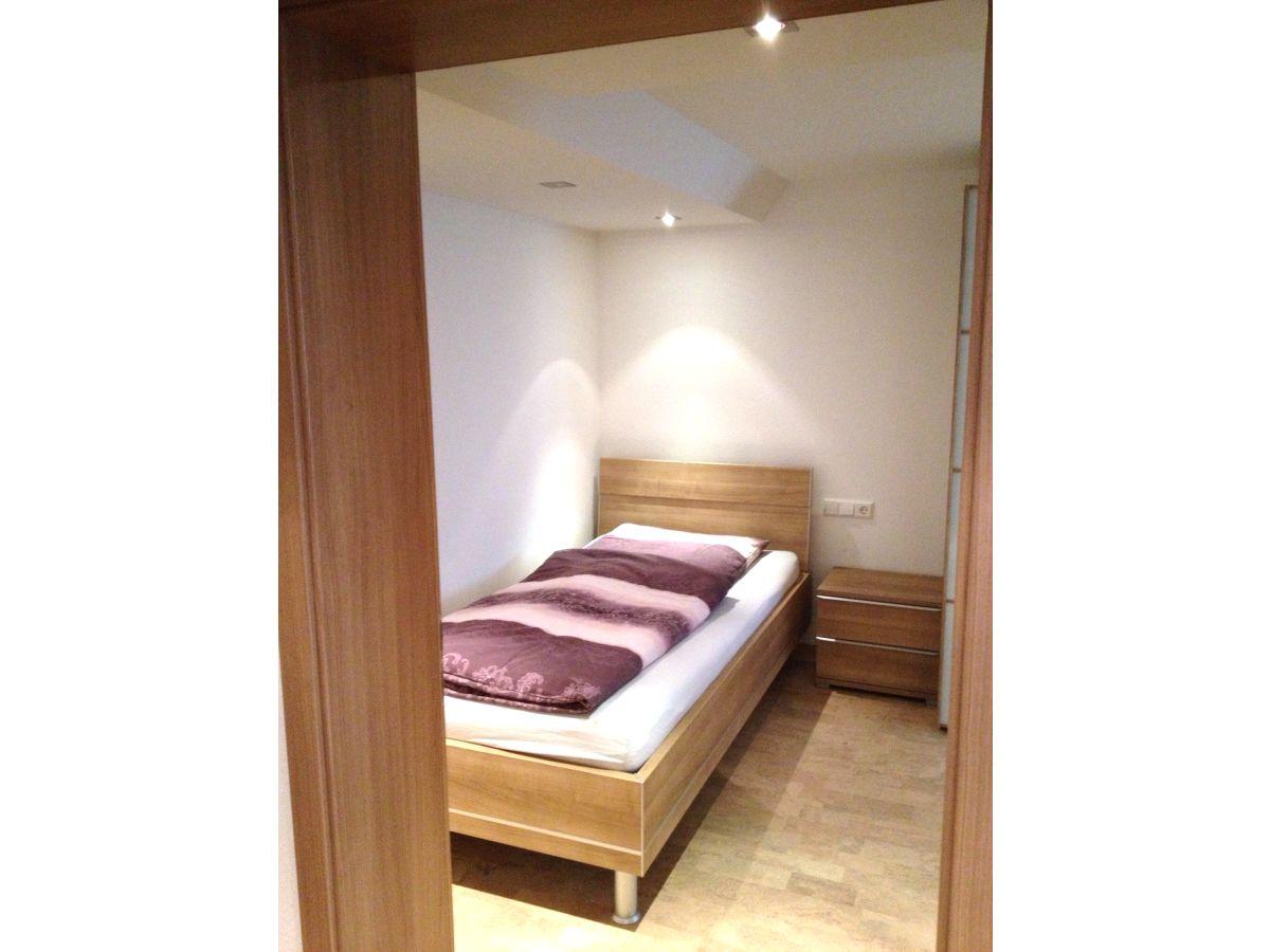 ferienwohnung hanser souterrain meckenbeuren bodensee. Black Bedroom Furniture Sets. Home Design Ideas