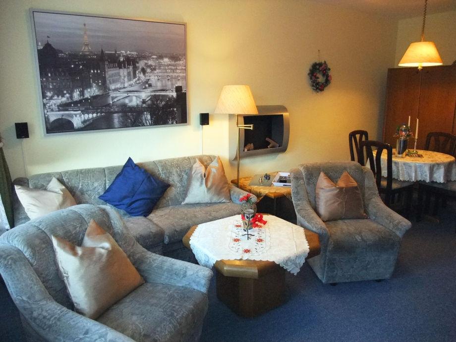 Komfort-Wohnzimmer mit Essbereich