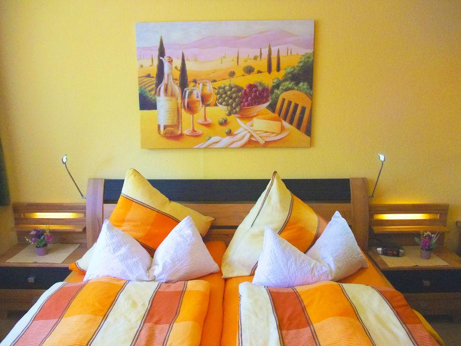 Premium-Schlafzimmer mit Doppelbett,LED-Leselampen