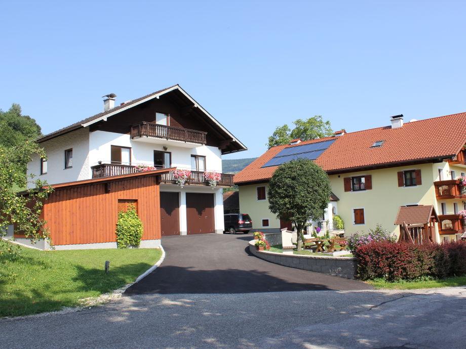 Bauernhaus mit Wohnung im Nebenhaus