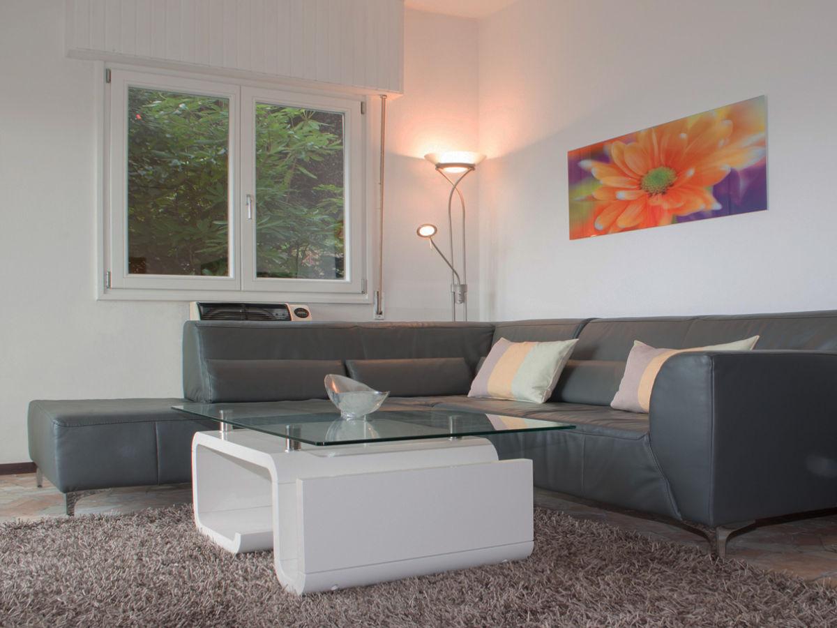 exklusive ferienwohnung am lago maggiore lago maggiore. Black Bedroom Furniture Sets. Home Design Ideas