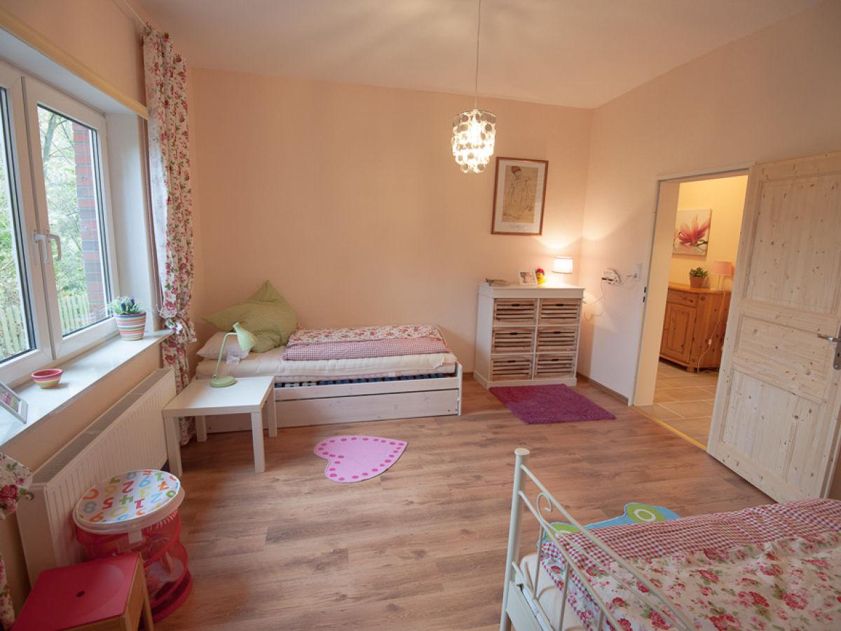 Ferienwohnung zur alten schule 4 butjadingen ort waddens for Kinderzimmer 7 qm