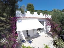 Ferienhaus Stylisches Ferienhaus zwischen Oliven und Zitronen