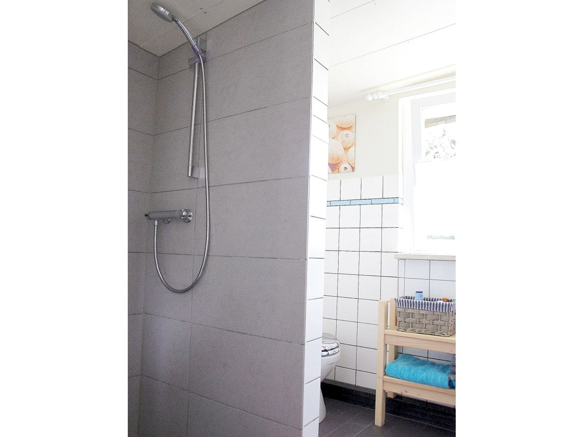 bungalow am see mecklenburgische schweiz firma fewo frau angela stolz. Black Bedroom Furniture Sets. Home Design Ideas
