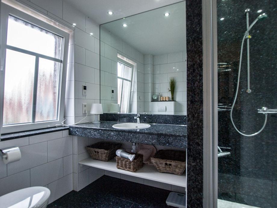ferienhaus v ferienwohnung 1 norddeich firma. Black Bedroom Furniture Sets. Home Design Ideas