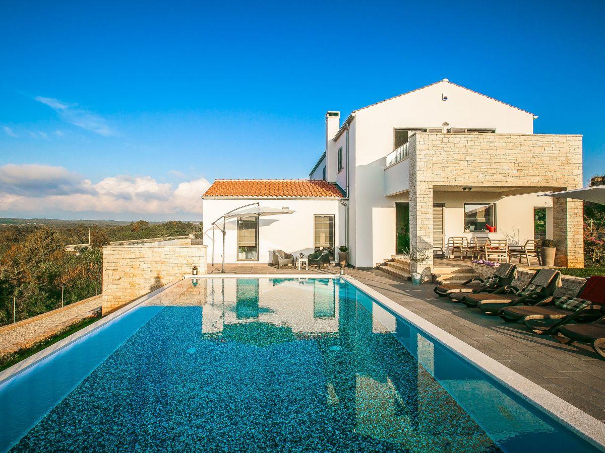 Ferienhaus villa meli istrien kroatien firma eurotours for Kroatien villa mit pool