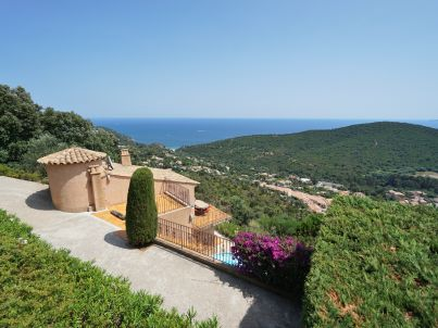 with pool and stunning sea views in Cavalaire