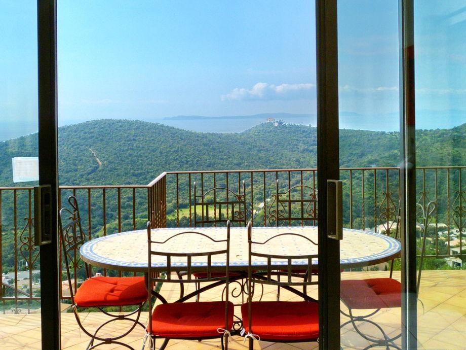 Traumhafter Meerblick vom Balkon der Villa