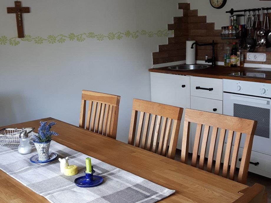Küche mit Esstisch für 8 Personen