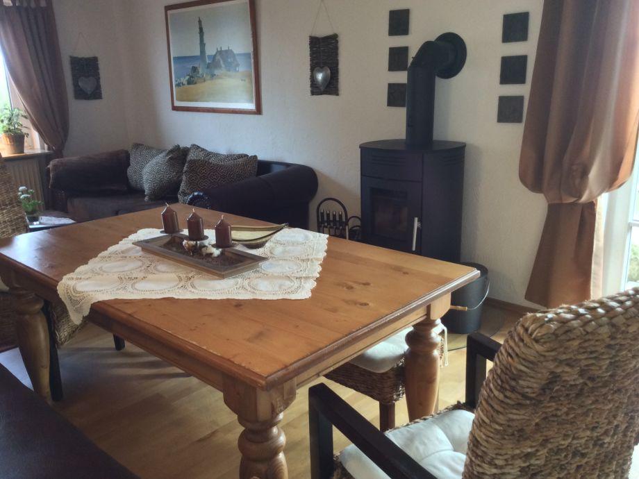 Wohnstube mit Kaminofen und BIG Sofa