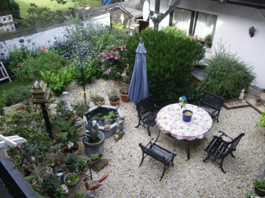 Blick vom Balkon in den Innenhof