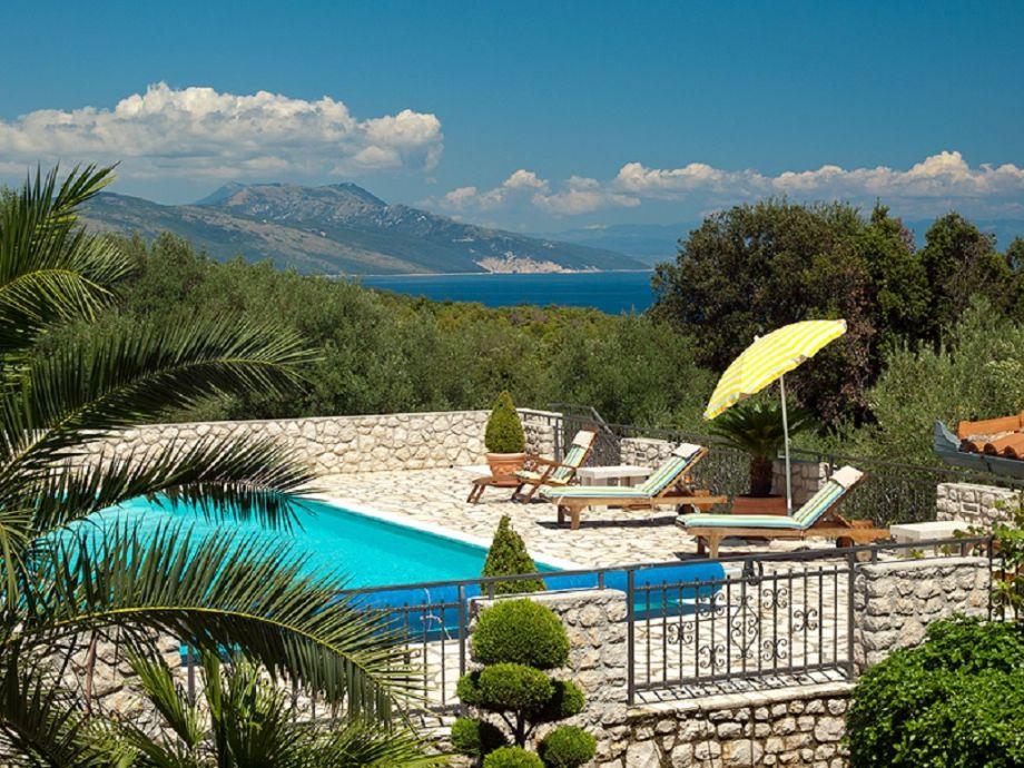 Außenaufnahme Villa Dusati Apartment Ana mit tollen Meerblick