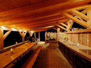 Ferienhaus Schmidmassiv in Alleinlage mit Pool
