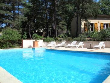 ferienh user ferienwohnungen mit pool in der ard che. Black Bedroom Furniture Sets. Home Design Ideas