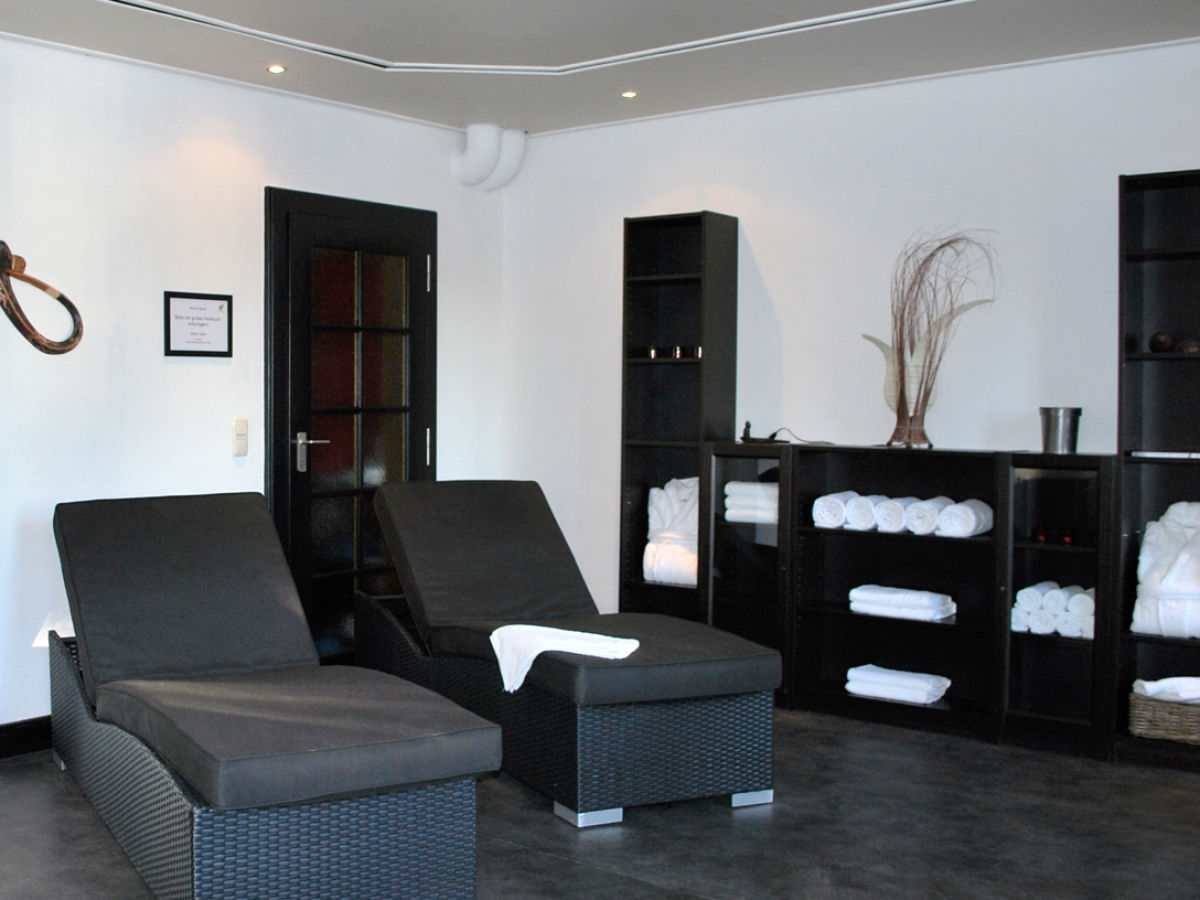 ferienhaus drewitz ha3 mecklenburgische seenplatte firma villa international herr tobias ubbens. Black Bedroom Furniture Sets. Home Design Ideas