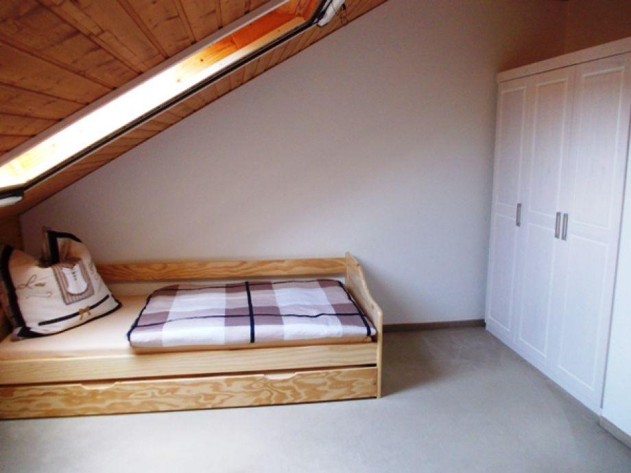 Schlafzimmer OG mit 2.Bett zum Ausziehen