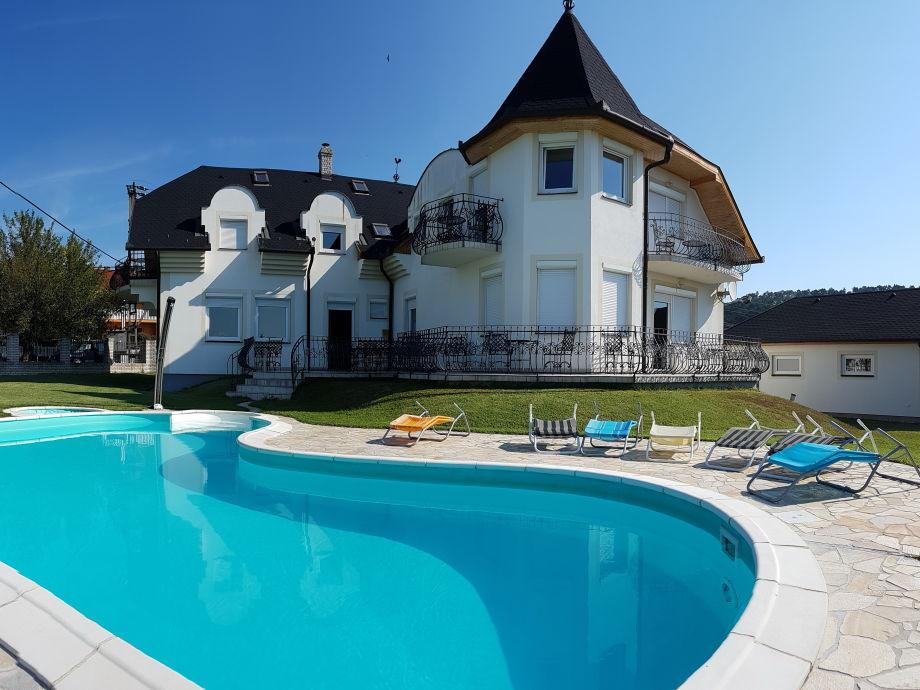 Ferienhaus Pirisi mit Pool