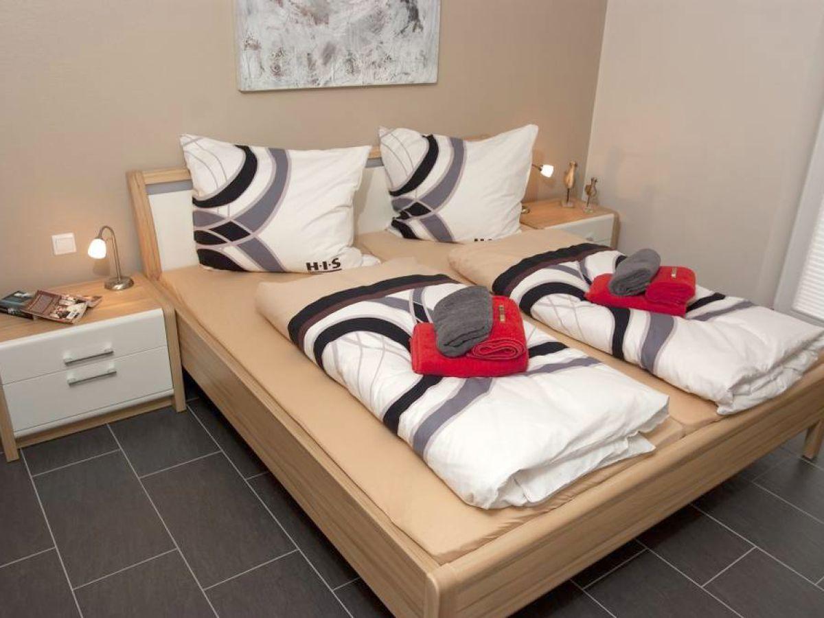 ... Maus Im Schlafzimmer By Ferienwohnung Strandkoje Borkum Firma Boriwa  Die Weisse ...
