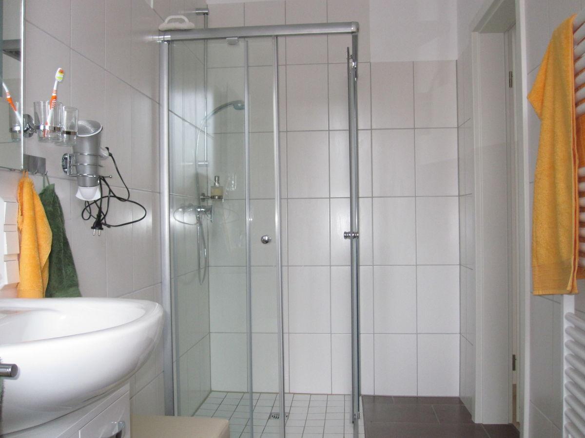 Offene Dusche Im Schlafzimmer : Ferienhaus Haus am Glockenturm, Nordsee, Ostfriesland, Krummh?rn