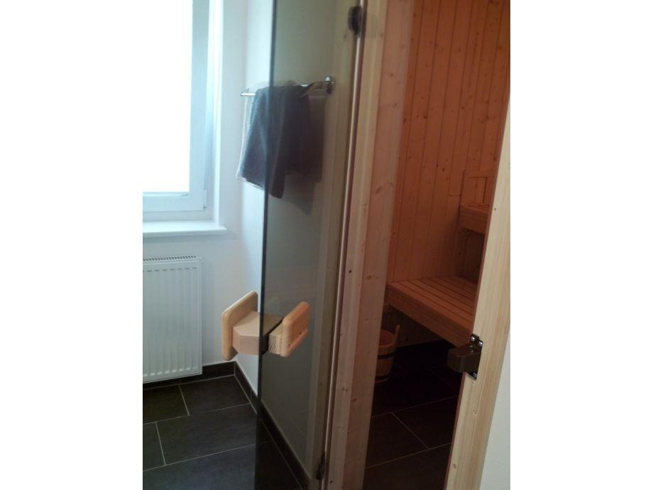 sauna im kleinen badezimmer sauna im badezimmer ein wellness universum zu hause