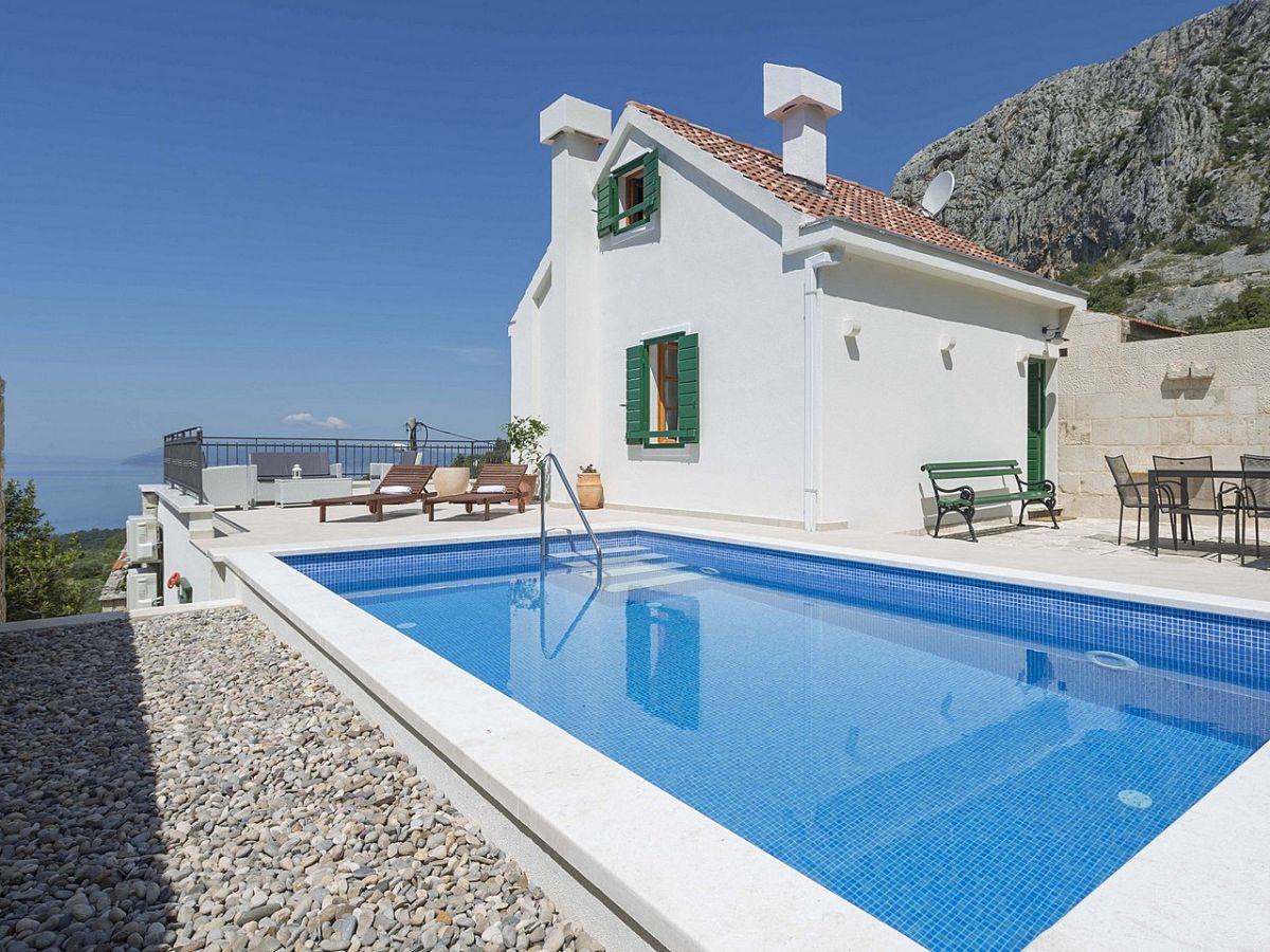 Ferienhaus melly dalmatien makarska firma prominens d for Ferienhaus mit pool