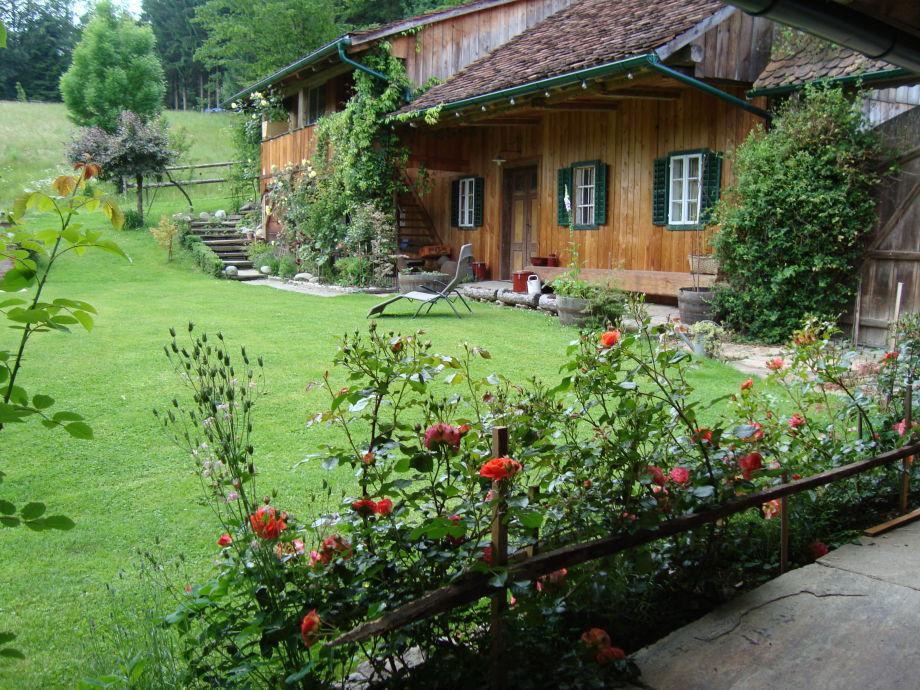 Innenhof mit Rosen
