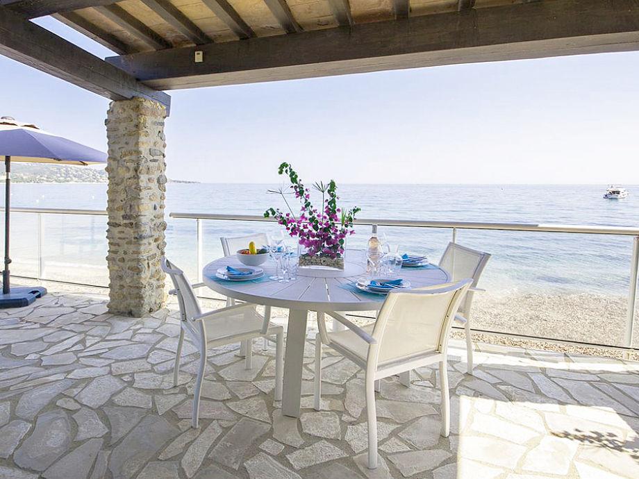 Terrasse mit Panoramameerblick