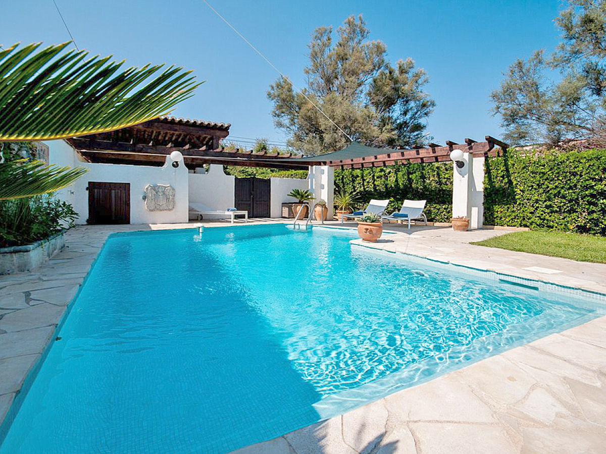 Villa bartavelle sainte maxime firma azurrental frau - Swimmingpool garten ...