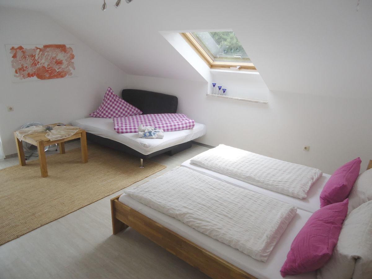 ferienwohnung b im g stehaus sommertal meersburg firma g stehaus sommertal frau kristin sch ttl. Black Bedroom Furniture Sets. Home Design Ideas