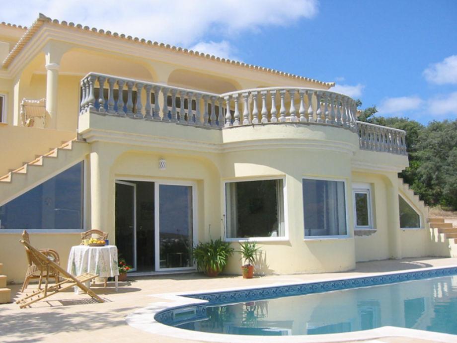 Ihr Apartment direkt am Pool und Garten