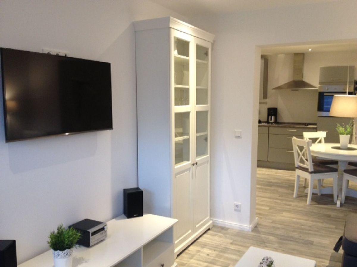 ferienwohnung smuckes to huus ostsee schleswig holstein. Black Bedroom Furniture Sets. Home Design Ideas