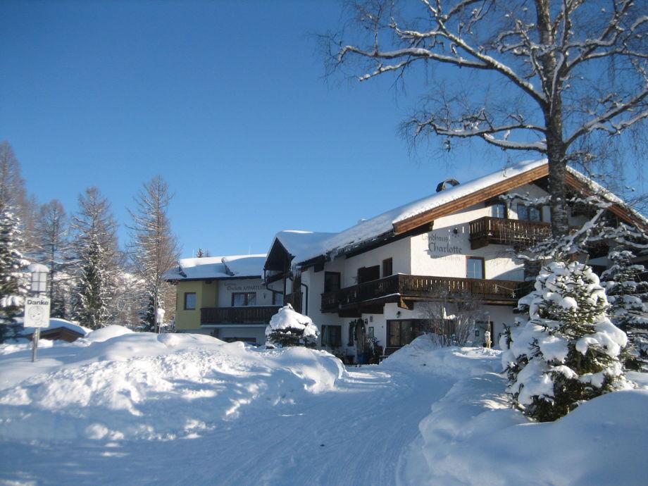Winter Auffahrt - Landhaus Charlotte