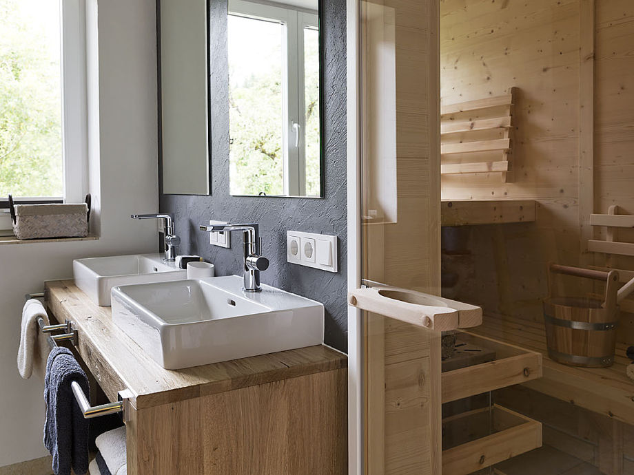 Badezimmer mit Finnischer Sauna Ferienwohnung 2