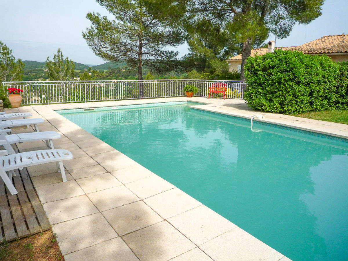 ferienhaus mit pool und weitem blick im hinterland der c te d 39 azur provence var firma marion. Black Bedroom Furniture Sets. Home Design Ideas