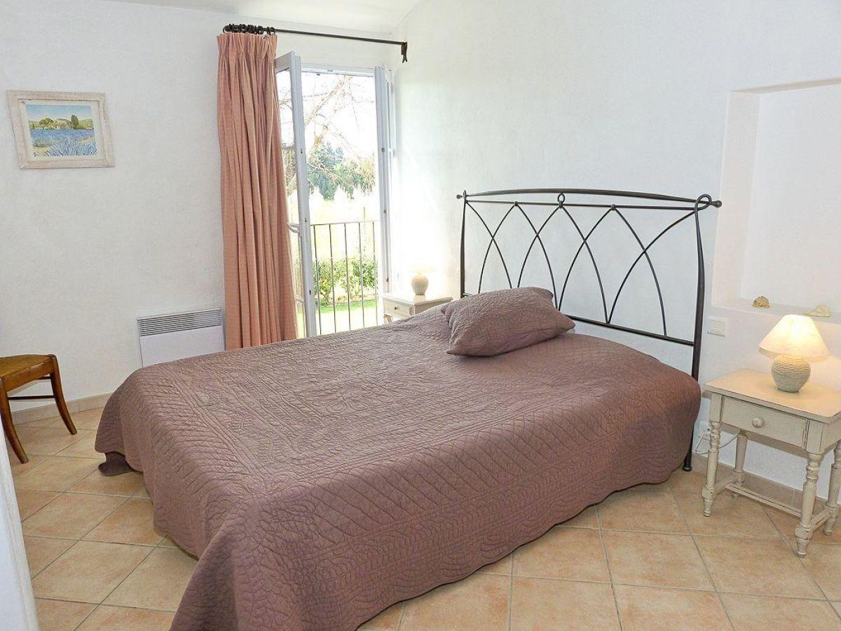 Offene Dusche Im Schlafzimmer : Schlafzimmer mit Doppelbett im Obergeschoss Bad mit Dusche im EG