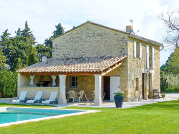 Holiday house with pool in Provence in L'Isle-sur-la-Sorgue