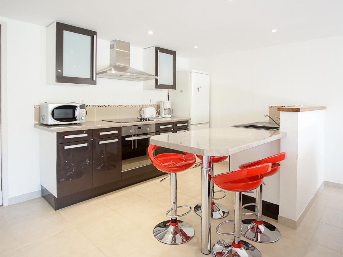 ferienwohnung mit garten und in strandn he c te d 39 azur. Black Bedroom Furniture Sets. Home Design Ideas