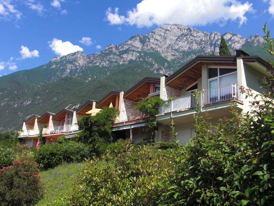 Hauszeile mit Ferienwohnungen Seeseite