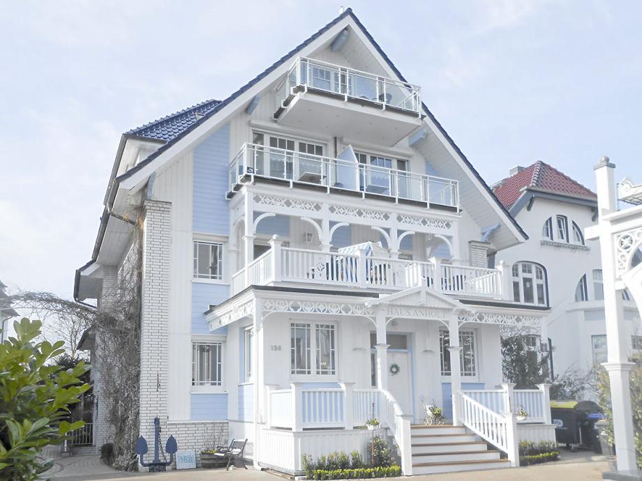 www.haus-anholt.de oder Kontakt über 04503/5600