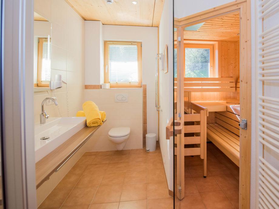 badezimmer mit sauna gre badezimmer mit sauna gre innenr. Black Bedroom Furniture Sets. Home Design Ideas