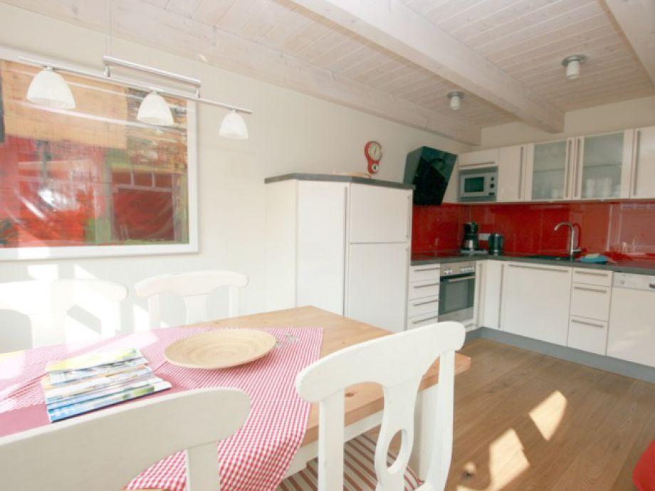 Heller Essplatz in der offenen Küche