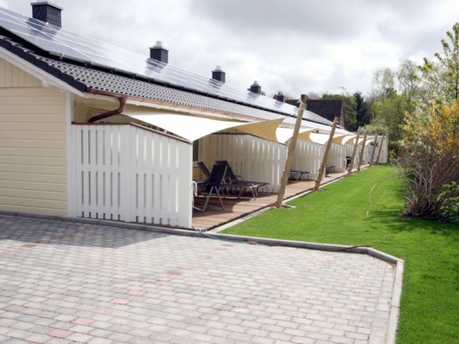Ihr Ferienhaus mit Terrasse mit Sonnensegel